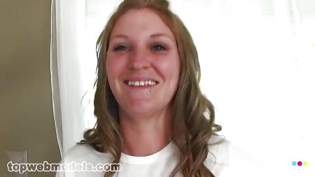 Kobieta darmowe filmy porno 3d na twarzy rolnika