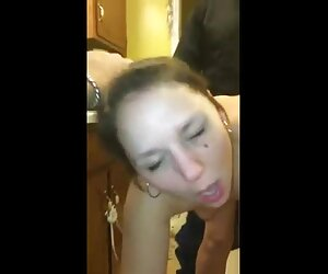 Veronica chce z nią napić się piwa. filmy sex darmowe
