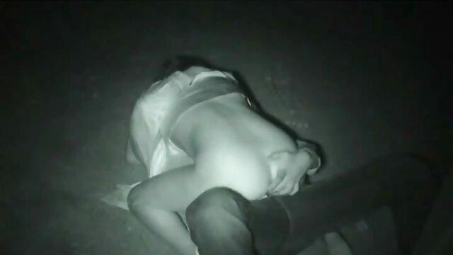 Dziewczynie w darmowe filmy erotyczne animowane toalecie w usta