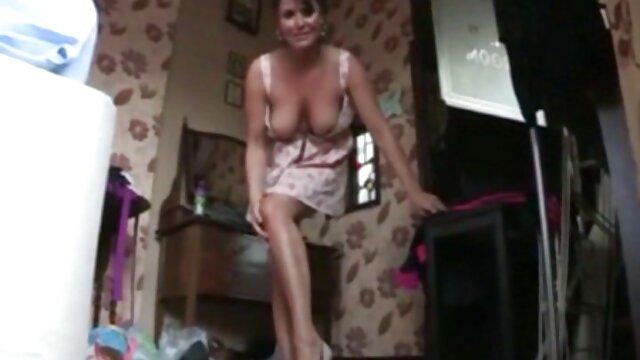 Młody mężczyzna seks darmowe filmy porno w pracy