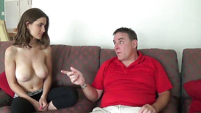 Pobiegł do filmy porno z lektorem starsze panie darmowe całe krzaków, żeby go złapać.